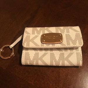 Michael Kors Jet Set Travel Top Zip Coin Pouch